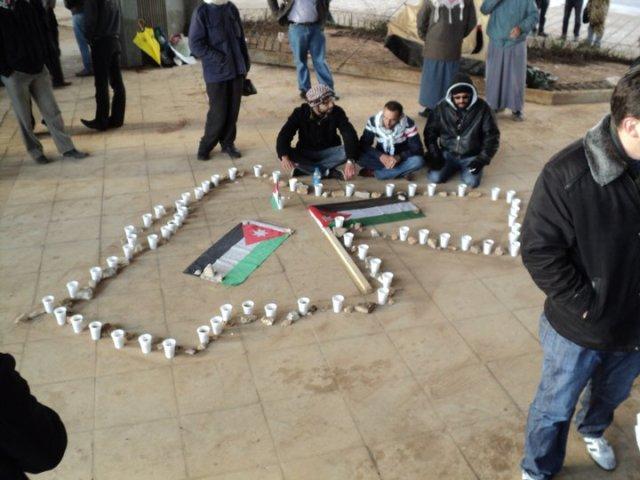 """""""Wij beantwoorden geweld niet met geweld"""": Van de stenen die ze naar hun hoofd kregen, maakten de 24 Maart Jongeren de kaart van Jordanie."""