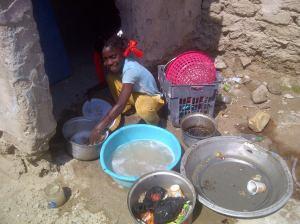 Meisje in een huis in al-Zubayr